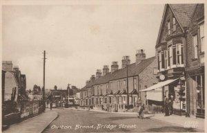 Suffolk Postcard - Oulton Broad, Bridge Street     RS22574