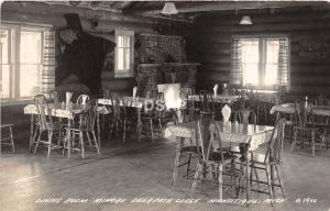 C29/ Manistique Michigan Mi RPPC Postcard 1949 Minors Deer Path Lodge Interior
