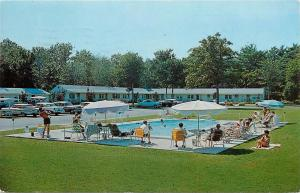 Henry's Tourist Court & Sun N Sand Motel Salisbury Beach MA old cars Postcard