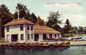 WHALOM PARK, MA PUBLIC BOAT HOUSE 1910