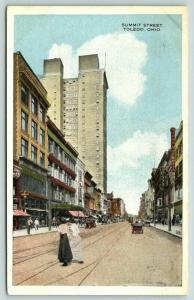 Toledo Ohio~Ladies Cross Summit Street~John Mockett Clothing Store~Dentist~1920s