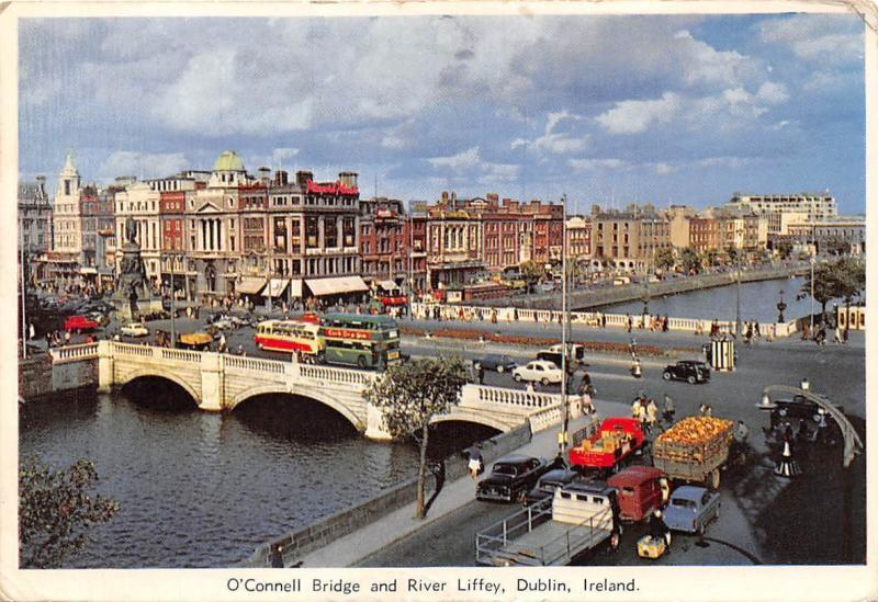 O'Conell Bridge and River Liffey, Dublin Vintage Cars Bus Statue Monument