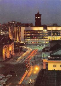 Berlin Hauptstadt der DDR Blick zum Palast der Republik Palace Cars Auto