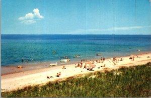 Rust's Motel and Cottages York Beach Maine Hotel Beach Sunbathers Ocean Postcard