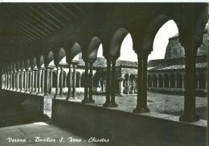 Italy, Verona, Basilica S. Zeno, Chiostro, unused real photo Postcard
