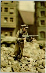 Skokie, Illinois Postcard VALIANT MINIATURES British Infantry Officer c1970s