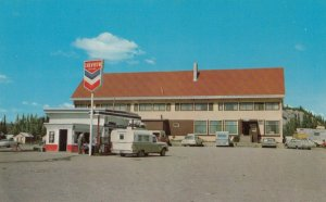 PAXTON , Alaska , 1950-60s ; Lodge & CHEVRON Gas Station