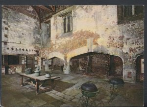 Middlesex Postcard - Hampton Court Palace - Henry VIII's Great Kitchen   T7049
