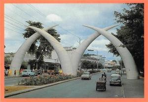 Kenya Mombasa Gateway Tusks, Road Auto Cars Voitures