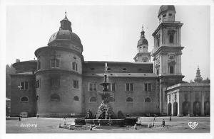 Salzburg Kirche Brunnen Fountain Church Eglise Promenade