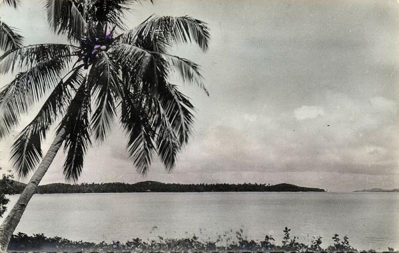 New Caledonia, Baie de Poum et la Pointe Extreme de l'lle (1961) RPPC