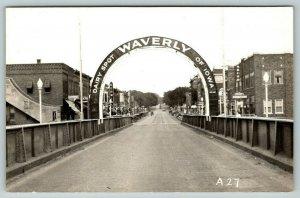 Waverly IA~Dairy Spot of Iowa Arch on Bridge~Kerwin's~Uptown Cafe~1940s RPPC