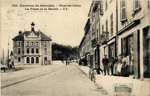 CPA  Pont-de-Claix - La Place et la Mairie - Environs de Grenoble  (635972)