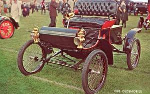 Antique Auto - 1902 Oldsmobile