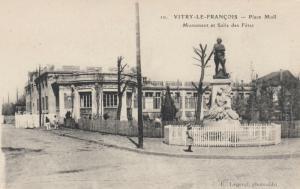 VITRY-LE-FRANCOIS, France , 00-10s ; Place Moll, Monument et Salle des Fetes