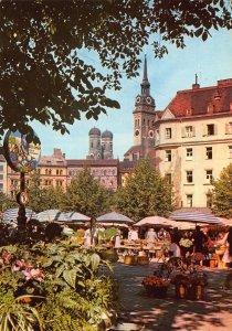 Munchen The VIktualienmarkt Food Market Postcard