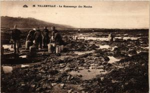 CPA VILLERVILLE - Le Ramassage des Moules (475829)
