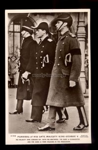 r4008 - Prince of Wales & Brothers walk behind their Fathers Coffin - postcard