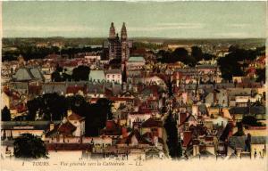 CPA   Tours - Vue générale vers la Cathédrale  (298451)