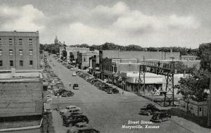 Marysville KS~Main Street~Railroad Crossing~Art Deco Bldg~Ice Cream Shop?~1951