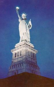 NY - New York City. Statue of Liberty