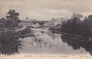 France Bourges Les Bords de l'Auron et la Cathedrale