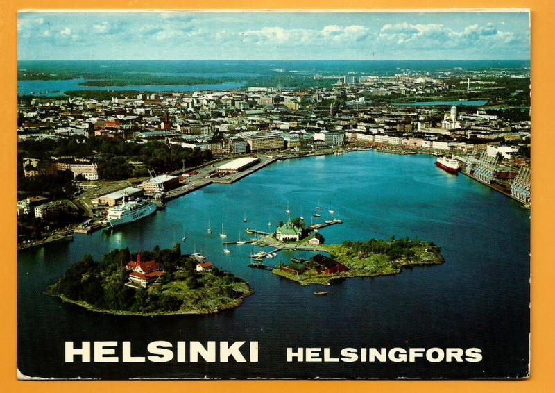 FINLAND VINTAGE POSTCARD -USED-HELSINKI-SOUTH HARBOUR
