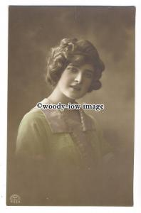 gla0066 - Lovely Young Woman in a Pink & Green Outfit  - postcard