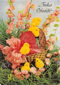 Frohes Osterfest, chicken babies, flowers, basket, souvenir Greetings