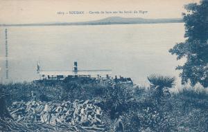 SOUDAN( MALI) Corvee de bois sur les bods du Niger, 1900-10s