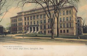 SPRINGFIELD , Massachusetts, 1905 ; Central High School