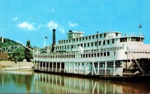 Stern Wheeler Mississippi River Steamboat Gordon C Greene At Hannibal Missouri