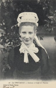 LA BRETAGNE , France, 1900-10s ; Costume et Coiffe de Thurien