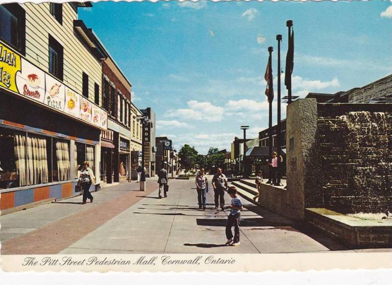 The Pitt Street Pedestrian Mall , CORNWALL , Ontario , Canada , 50-70s