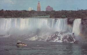 Maid of the Mist and the American Falls, NIAGARA FALLS, Ontario, Canada, 40-60´