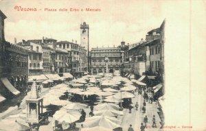 Italy Verona Piazza delle Erbe o Mercato 04.65