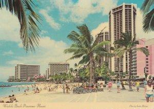 HONOLULU , Hawaii , 1970-80s ; Waikiki Beach
