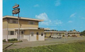 Parkway Motel , Pincher Creek , Alberta , Canada , 40-60s