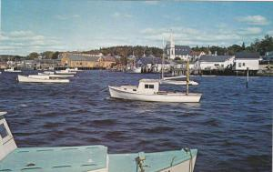 Boothbay Harbor, East Side Catholic church, Boats, BOOTHBAY, Maine, 40-60's