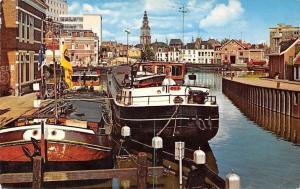 Netherlands Groningen Winschoterdiep hoek Oosterhaven Schiff Boats