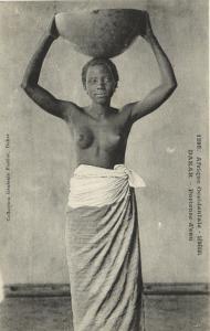 CPA Senegal Ethnic Nude Fortier - 1295. Dakar - Porteuse d'eau (71191)