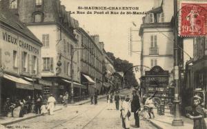 CPA St-Maurice-Charenton (Dep.94) La Rue du Pont et Rue de St-Mandé (65539)