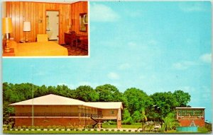 Valdosta, Georgia Postcard BRIARWOOD MOTEL Interstate 75 Roadside c1960s Chrome