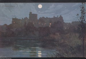 Berkshire Postcard - Nightime View of Windsor Castle  RT877