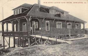 Muscatine Iowa Launch Club House Street View Antique Postcard K56409