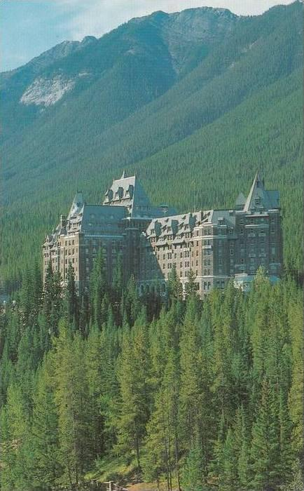 ZS11356 Banff Springs Hotel used good shape