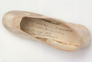 Tamara Karsavina Ballet Shoe Les Papillons in WW1 V&A Postcard