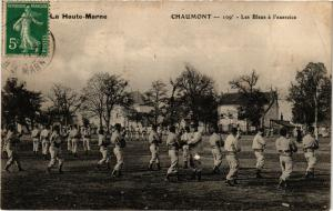 CPA MILITAIRE La Haute-Marne, Chaumont-Les Bleus á l'exercice (316489)