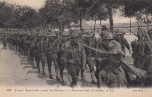 WAR 1914-18 ; American Troops Landing