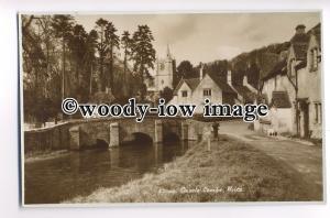 tp8916 - Wilts - The River, Bridge & Church, in Castle Combe Village - Postcard